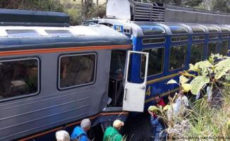 Peru'da İki Tren Çarpıştı! 23 Yaralı