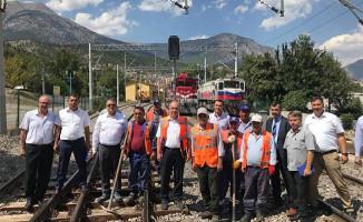 Apaydın, Konya-Adana Hızlı Demiryolu Hattında İncelemelerde Bulundu