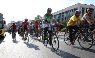 İBB'nin Desteğiyle 500 Bisikletli 42 Km Pedal Çevirdi!
