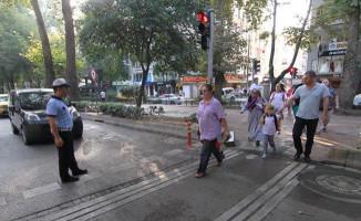 Kocaeli Büyükşehir'den Okul Çevrelerine Trafik Önlemleri