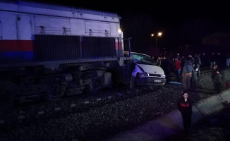 Denizli'de Hemzemin Geçitte Kaza! 5 Yaralı