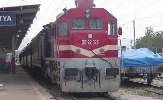 TCDD'nin Kapasitenin Üzerinde Bilet Satışı Krize Yol Açtı