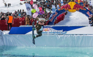 Erciyes'te Gerçekleştirilen Red Bull Kar Havuzu'na Büyük İlgi