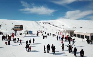 Yedikuyular Kayak Merkezi'ne Ziyaretçi Akını