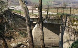 Çıraklı ile Çavuşlu Mahalleleri Bağlantı Yolu Köprüsü Yenileniyor