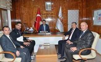 Şampiyon Güreşçi Taha Akgül TÜDEMSAŞ'ı Ziyaret Etti