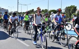 """İzmir """"Haydi Türkiye Bisiklete"""" Projesinde Öncü Şehir Olacak"""