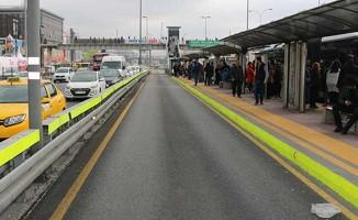 İBB, Metrobüs Arızası Nedeniyle Özür Diledi