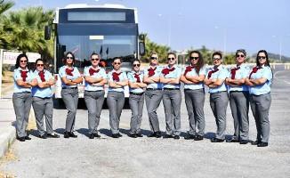 İzmir'de sınavları geçen kadın şoförler işbaşı yaptı