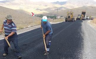 Kahramanmaraş'ta yolların bakımı yapılıyor