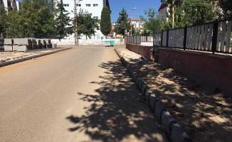 Mehmet Akif Mahallesi'nde kaldırım çalışması yapıldı
