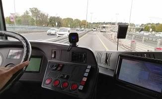 Metrobüs sürücüleri erken uyarı teknolojisinden faydalanacak