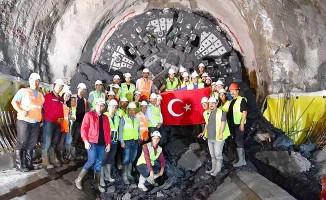 İzmir Narlıdere Metrosu'nda iki istasyon birleşti