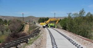 Malatya - Elazığ Hattında 25 Km lik Yol Yenileme Çalışmalarına Başlandı