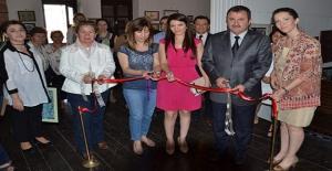 Alsancak Müze Ve Sanat Galerisi'nde Ebru, Minyatür ve Tezhip Sergisi Açıldı