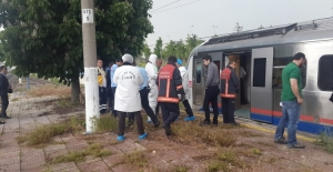Ankara'da Banliyö Trenin Çarptığı Kişi Öldü