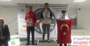 Ankara Demirspor Klübü sporcularından 4 madalya
