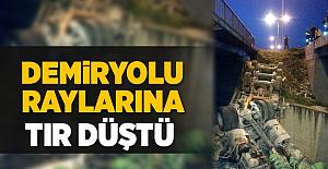 Denizli Sarayköy'de Demiryolu Raylarına Tır Düştü! 1 Yaralı