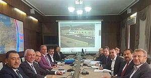 Kütahya Belediye Başkanı Saraçoğlu TCDD Genel Müdür Yardımcısı Murat Kavak'ı Ziyaret  Etti