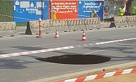 Beşiktaş'ta metro çalışmaları nedeniyle yol çöktü!
