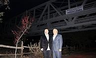 Dedesinin Yaptırdığı Demiryolu Köprüsü Altında Karşılandı