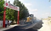 Büyükşehir Tufanbeyli ve Yumurtalık'ta asfalt çalışmalarını yoğunlaştırdı