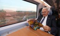 Binali Yıldırım Seyahatinde Yüksek Hızlı Treni Tercih Etti