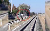 bDenizli#039;de Tren TIR#039;la Çarpıştı/b