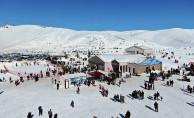 Yedikuyular Kayak Merkezi'ne Ziyaretçi Akını Devam Ediyor