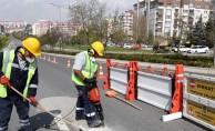 Yollardaki Beton Kalıntıları Temizleniyor