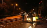 Tramvay hattındaki kavşaklar asfaltlanıyor