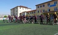 Öğrencilere trafikte bisiklet kullanımı eğitimi