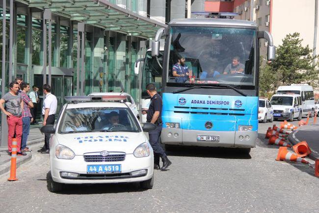 Adana Demirspor Polis Eşliğinde Malatya'yı Terk etti
