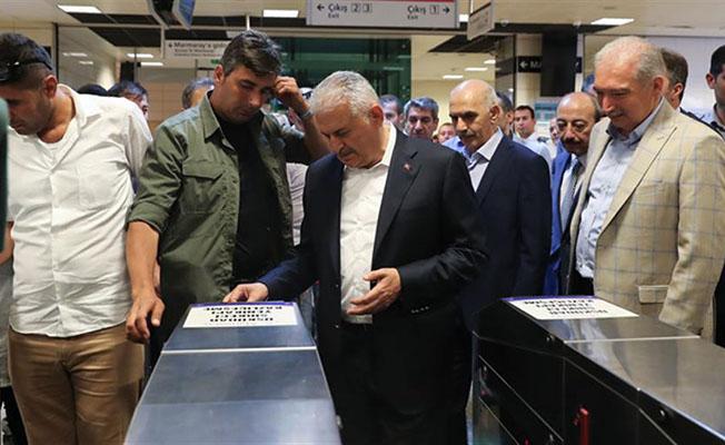 basbakan marmaray ve metroyu kullandı