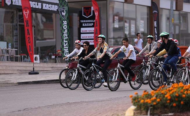 Haydi çocuklar bisikletle okula projesi merkezefendi belediyesi