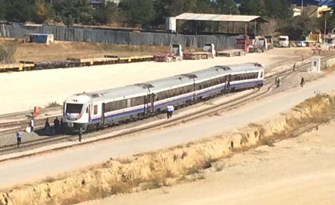 denizli-saraykoy-yolcu-treni-raydan-cikti-trenhaber
