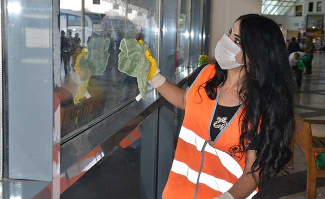 diyarbakır şehirlerarası otobüs terminalinde temizlik çalışması
