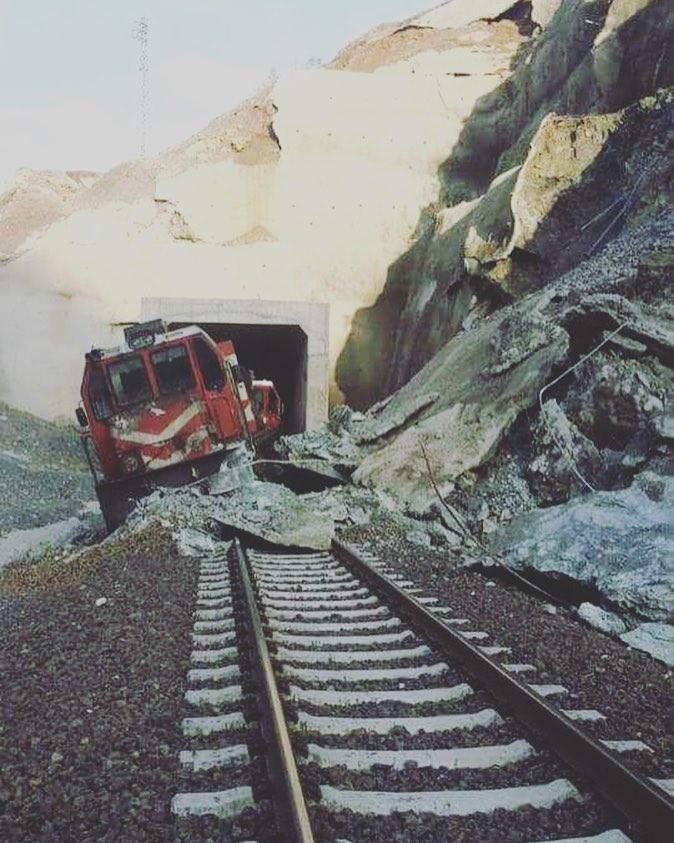 elazig-beyhan-suveren-palu-heyelan-tren-raydan-cikti-trenhabercom.jpg