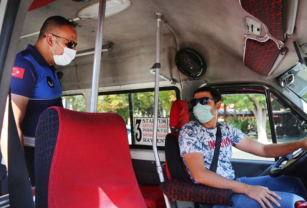 eskişehirde dolmuş ve otobüslerde covid-19 denetimleri