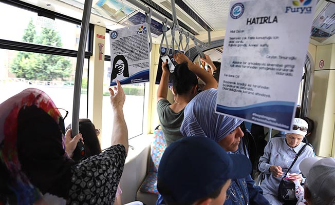 eskişehir tramvay tutamaklarında bilgilendirme furya dernedği