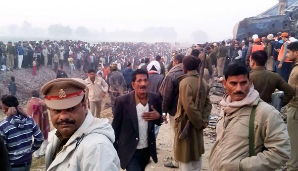 hindistan-da-tren-kazasi-90-olu-trenhaber