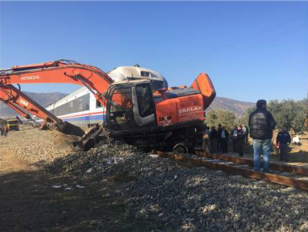 izmir-bayindir-da-tren-kazasi-9-yarali-tren-tcdd-haber