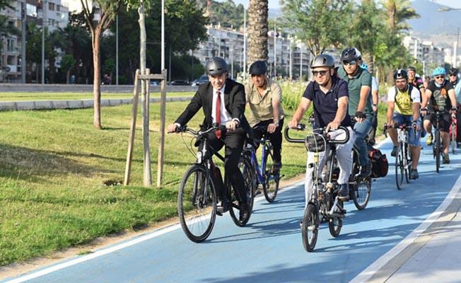 izmir bisikletli ulaşımda öncü kent tunç soyer