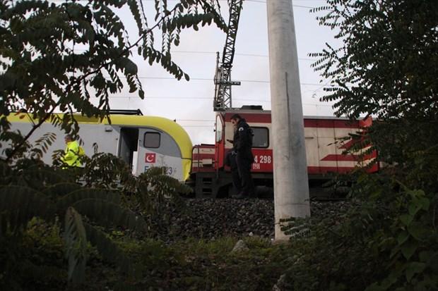 sakarya-da-iki-tren-carpisti-3-yarali-tcdd-haber-