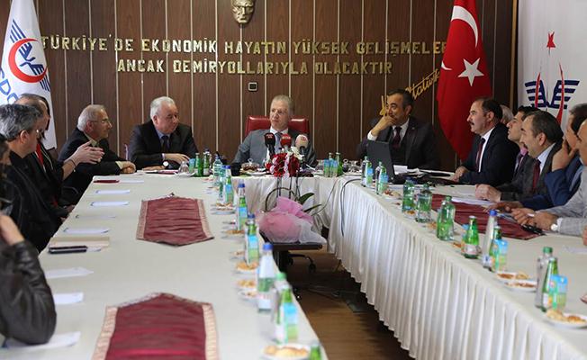 Sivas Valisi Davut Gül TCDD Bölge Müdürü Mustafa Korucu Brifing