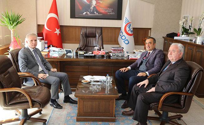 Sivas Valisi Davut Gül TCDD Bölge Müdürü Mustafa Korucu