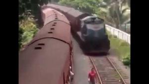 Tren Çarpmasına Ramak Kala Kurtulanlar